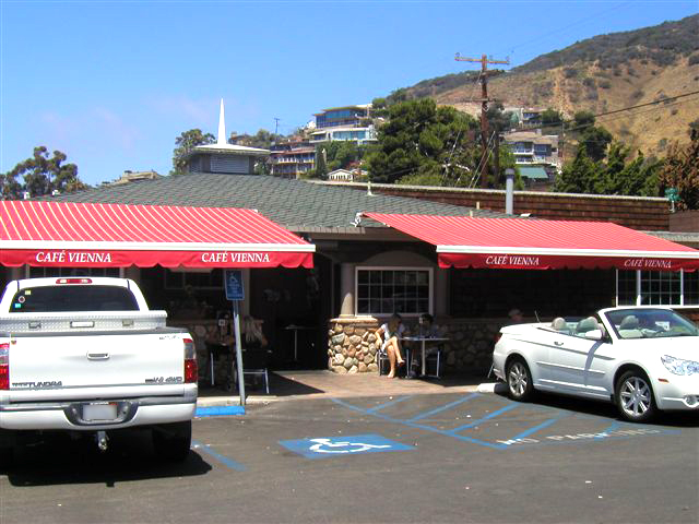 Commercial Awnings for Outdoor Dining