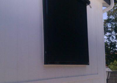 Black Window Drop Roll