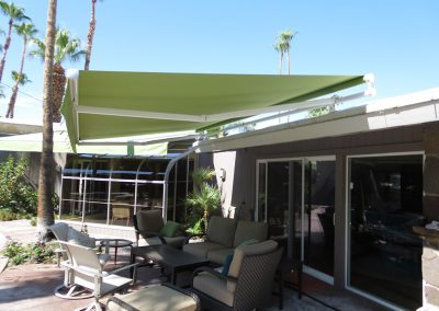 Green Retractable Roof Mount Awning